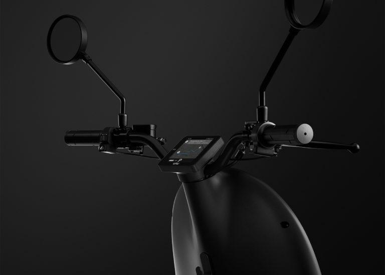 Unu-scooter_dezeen_2364_col_14