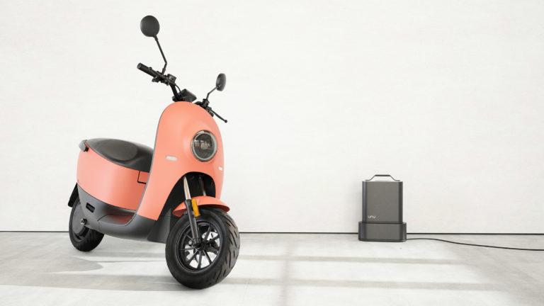 Unu-scooter_dezeen_2364_col_8
