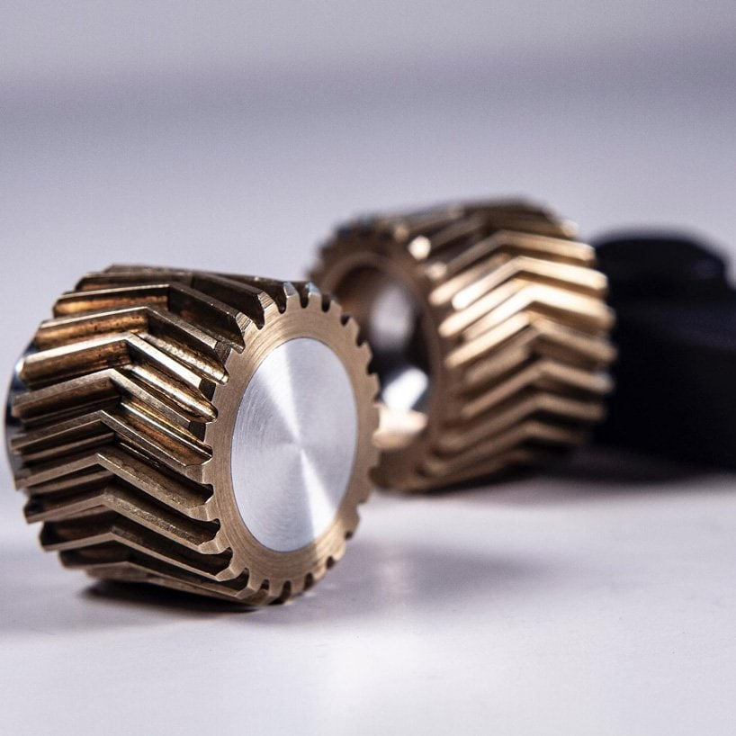 relieve stress with 'helico', the world's first helical gear fidget toy by metmo