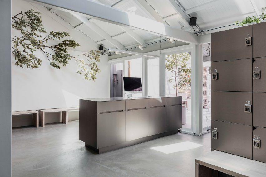 Shelter wellness centre designed by Esoteriko