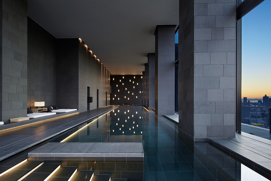30m heated indoor pool with expansive views of the city skyline. Traditional Japanese amenities.